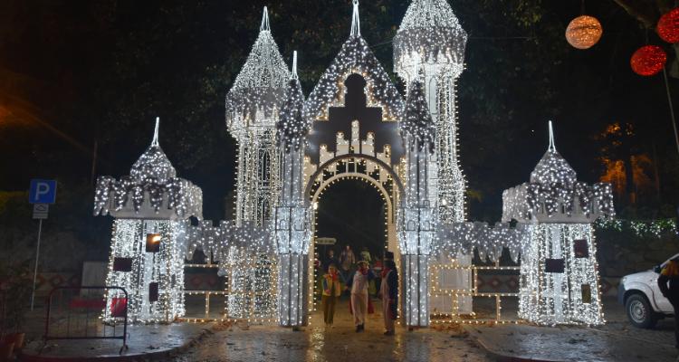 Reino do Natal encerrado devido às más condições meteorológicas
